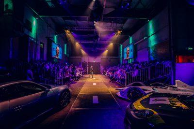 Porsche Dealermeating - Kick-off - Kalvermelk - tribune - feest - andre kuipers - spreker