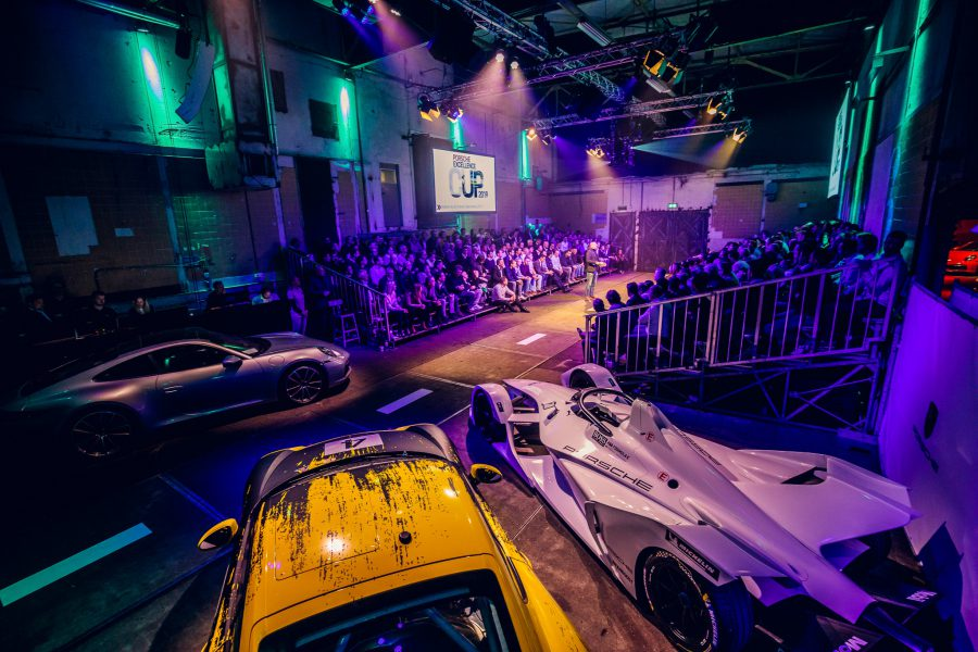 Porsche Dealermeating - Kick-off - Kalvermelk - tribune - feest - andre kuipers - spreker